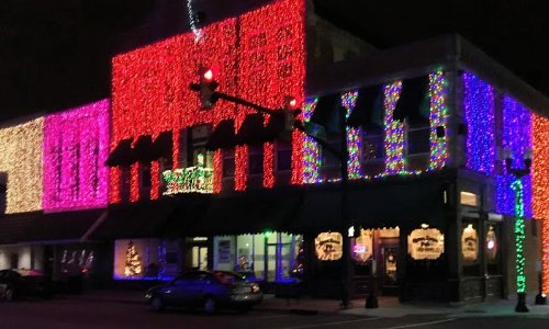 I found the Christmas lights of Elwood, Indiana in a Facebook post by a friend.